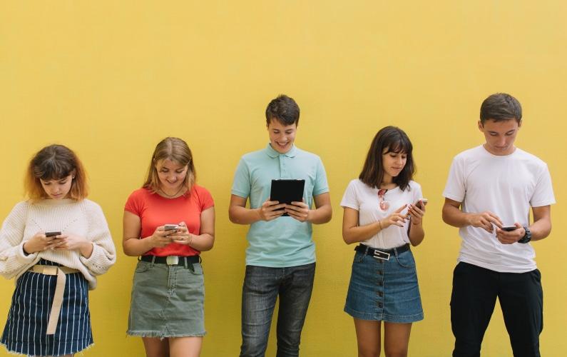 ¿Qué necesita una aplicación móvil de colegio para un 💯?